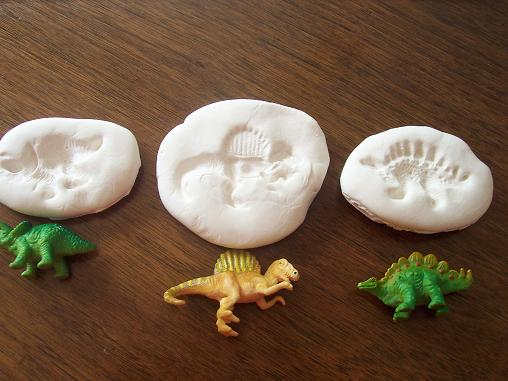 Dinosaures poisson jaune for Clay mural making